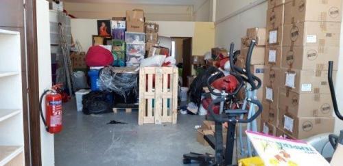 Einblick Lagerhalle / View into warehouse